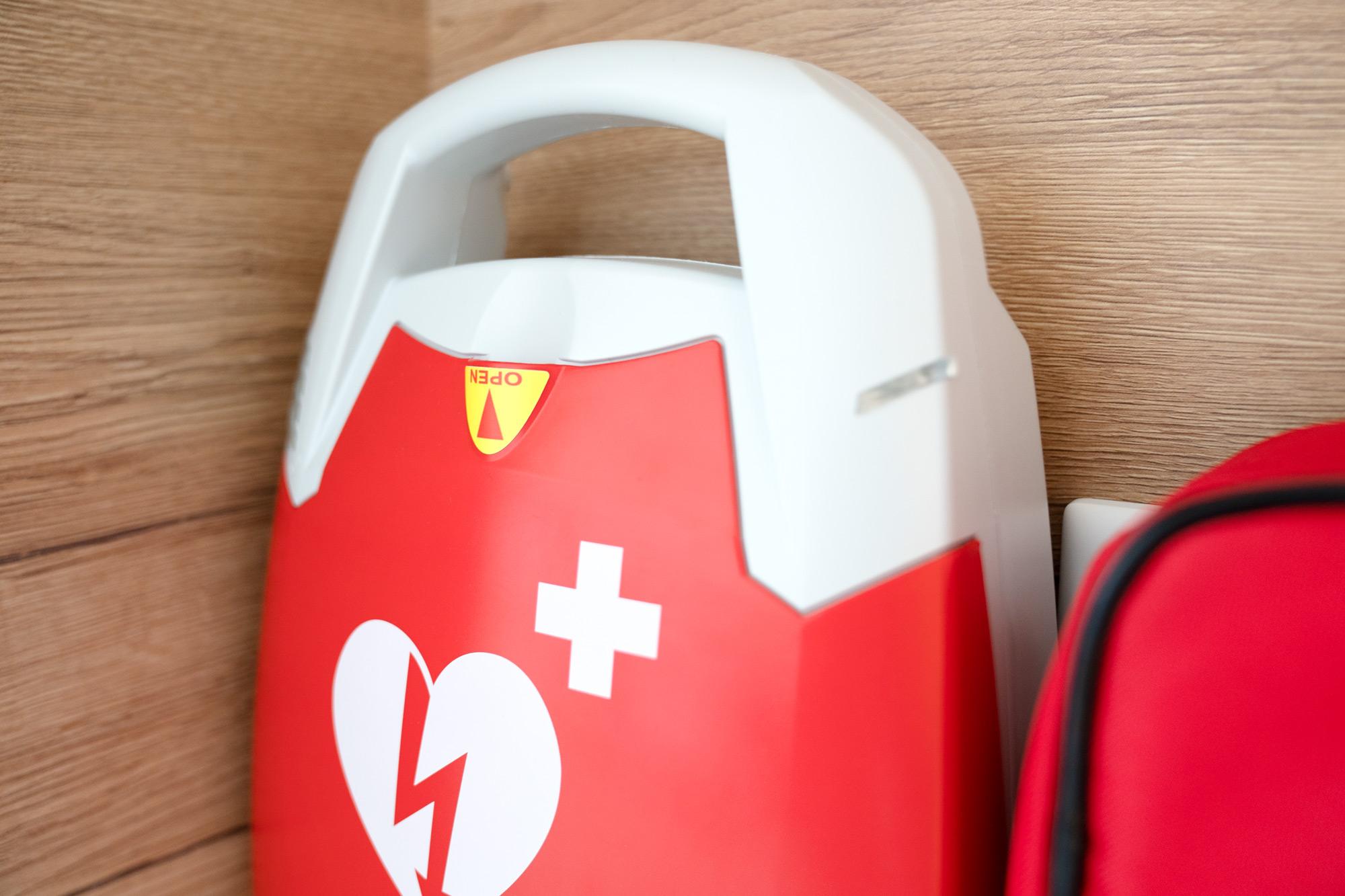 Foto Defibrillator Hausarzt Praxis Ingolstadt Lindwurm + Spaeth Hausarzt:in